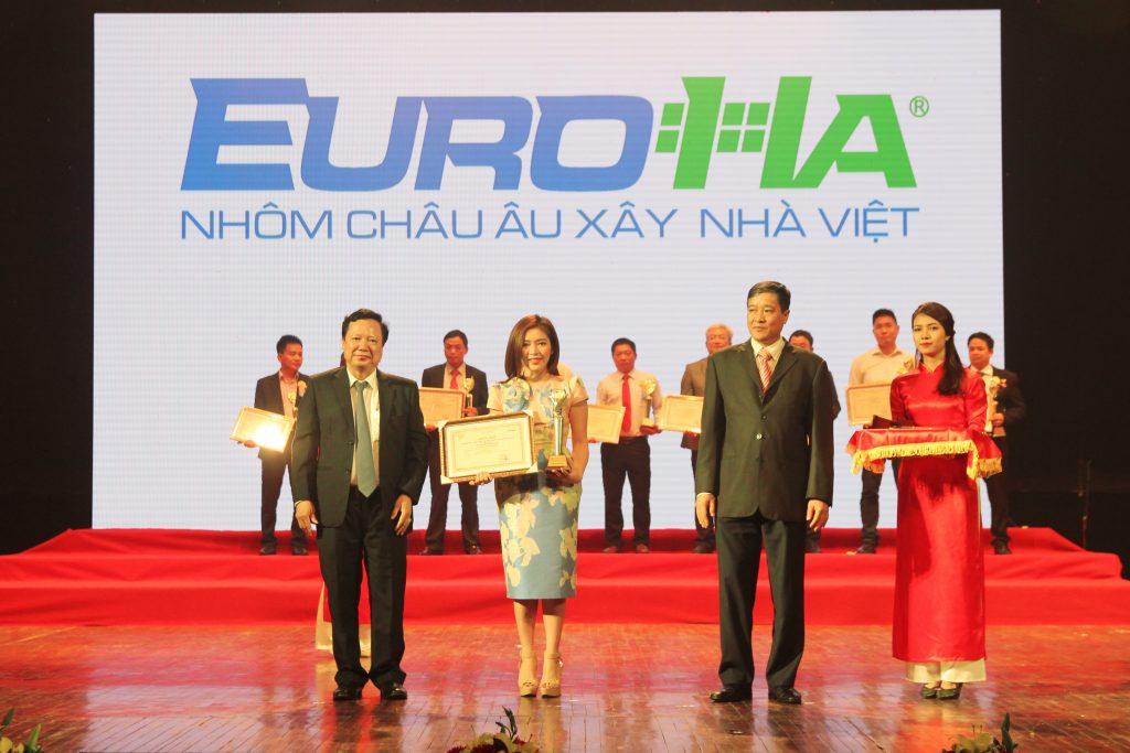 euroha-dat-giai-thuong-thuong-hieu-nhan-hieu-tieu-bieu-nganh-xay-dung-do-ban-doc-bao-xay-dung-binh-chon-03