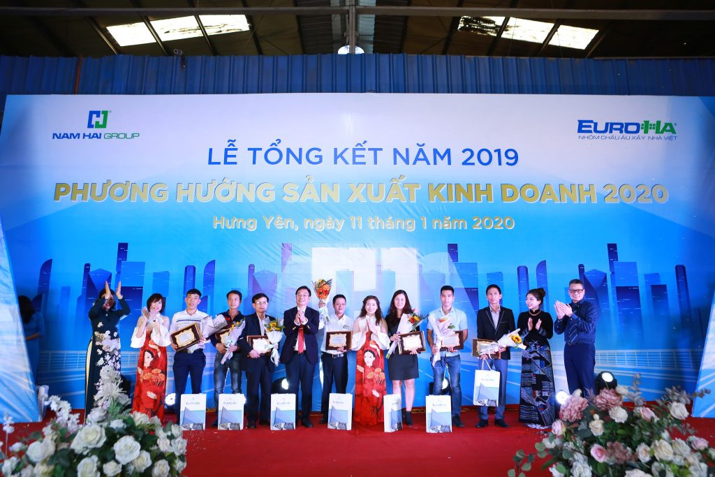 nam-hai-to-chuc-le-tong-ket-nam-2019-phuong-huong-san-xuat-kinh-doanh-nam-2020-vinh-danh-va-trao-chung-nhan-dai-ly-03
