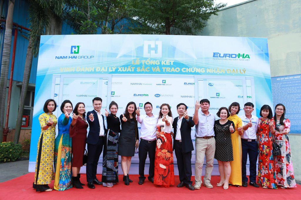 nam-hai-to-chuc-le-tong-ket-nam-2019-phuong-huong-san-xuat-kinh-doanh-nam-2020-vinh-danh-va-trao-chung-nhan-dai-ly-06