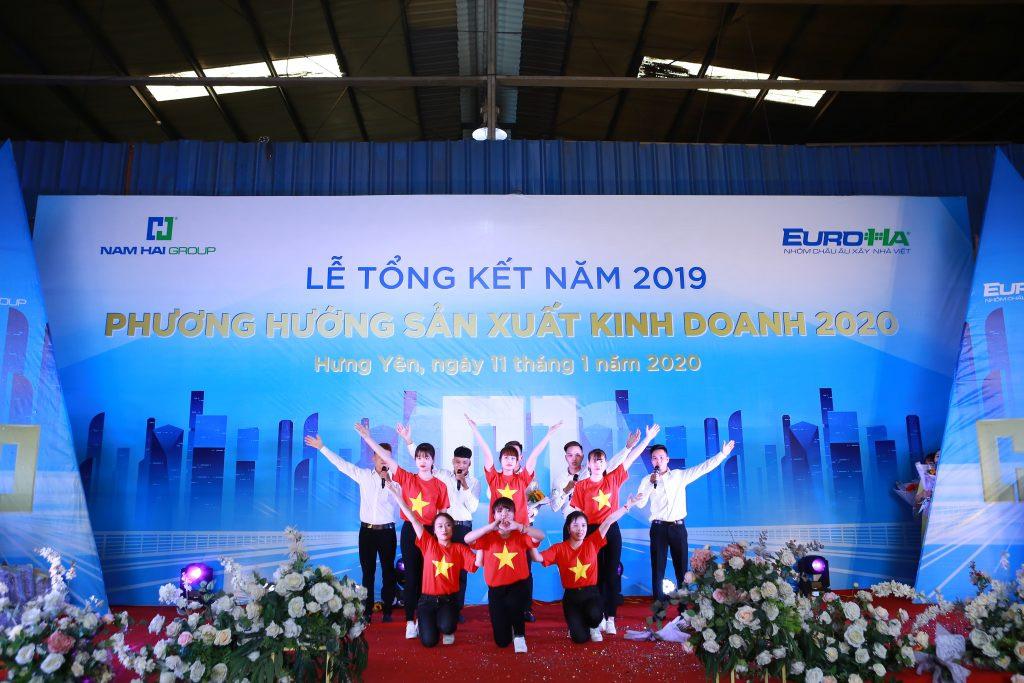 nam-hai-to-chuc-le-tong-ket-nam-2019-phuong-huong-san-xuat-kinh-doanh-nam-2020-vinh-danh-va-trao-chung-nhan-dai-ly-11