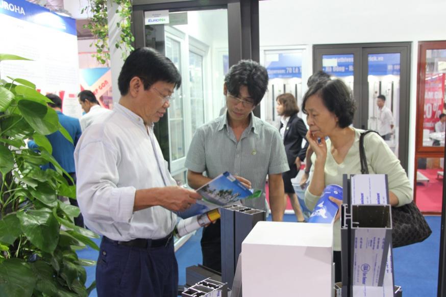 ngay-thu-2-cua-vietbuild-phong-kinh-doanh-hoat-dong-500-nang-suat-04