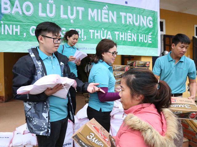hanh-trinh-thien-nguyen-cua-nam-hai-group-huong-ve-mien-trung-th-n-yeu-dung-ch-n-tai-thua-thien-hue-6